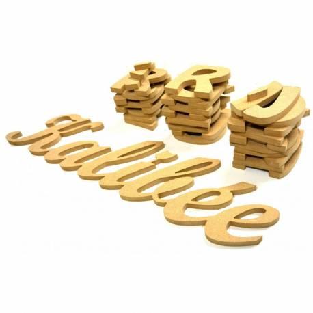Lettres et prénoms découpés en bois