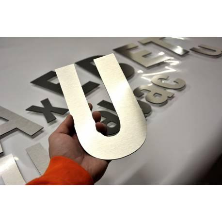 lettre aluminium découpé