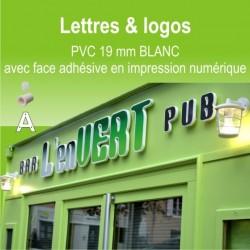 Lettres et Logos PVC avec face adhésive en impression numérique.