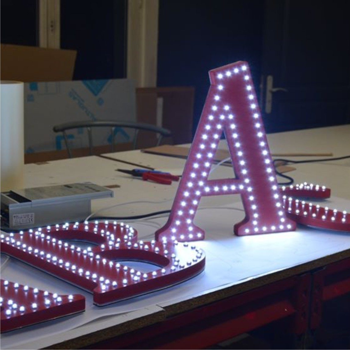 lettres PVC double leds point à point