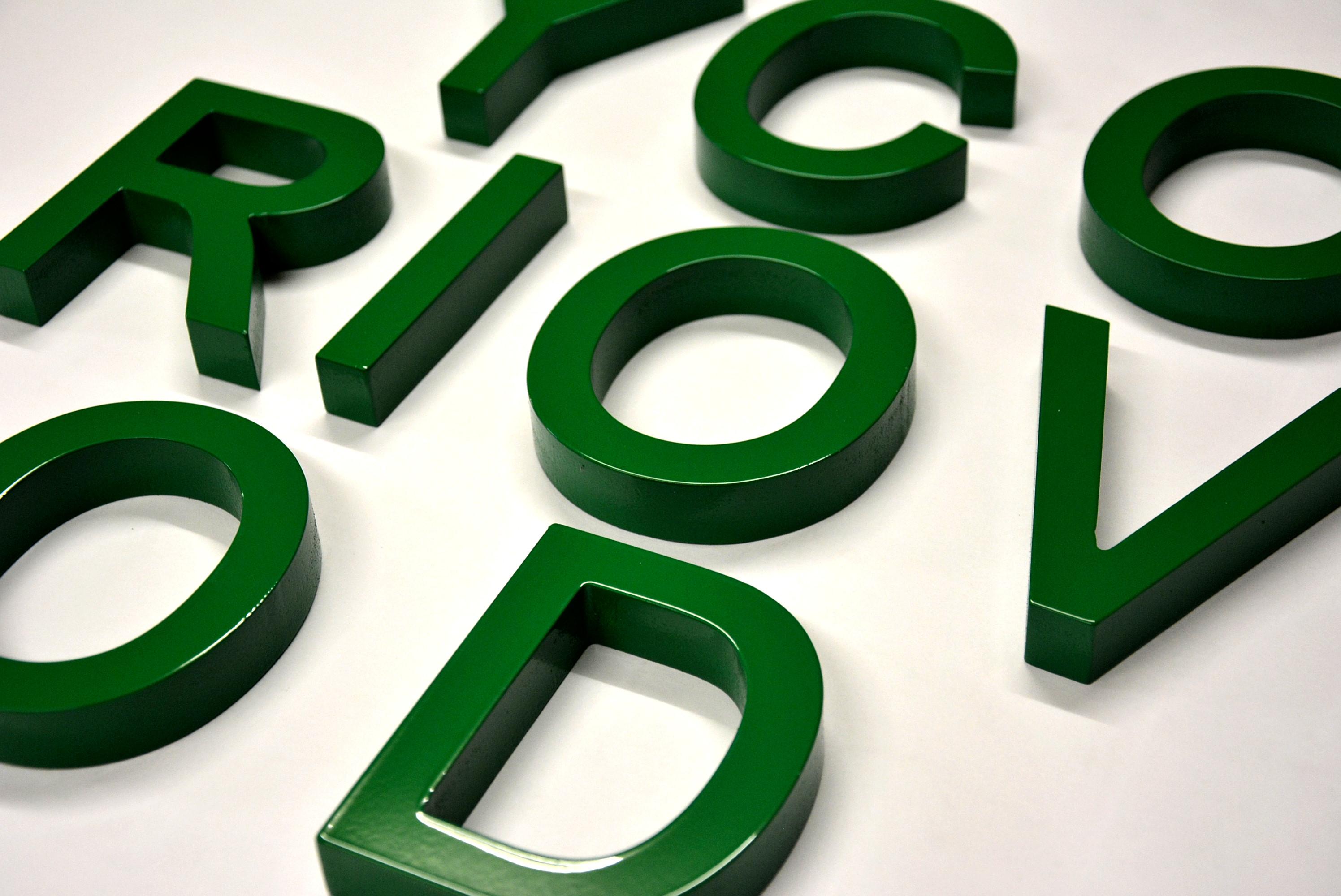peinture cabine pour lettres relief en PVC pour enseignes