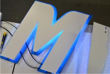 enseigne rétro éclairage led avec support aluminium